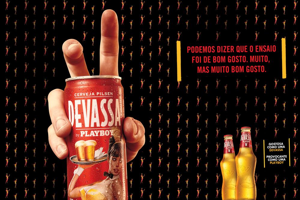 ENGLISH: We had some tasteful shots. Pretty tasteful. Devassa by Playboy beer.