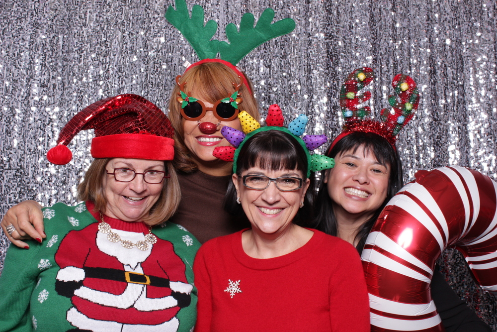 KENNEDY CENTER STAFF HOLIDAY PARTY | HOT PINK PHOTO BOOTH