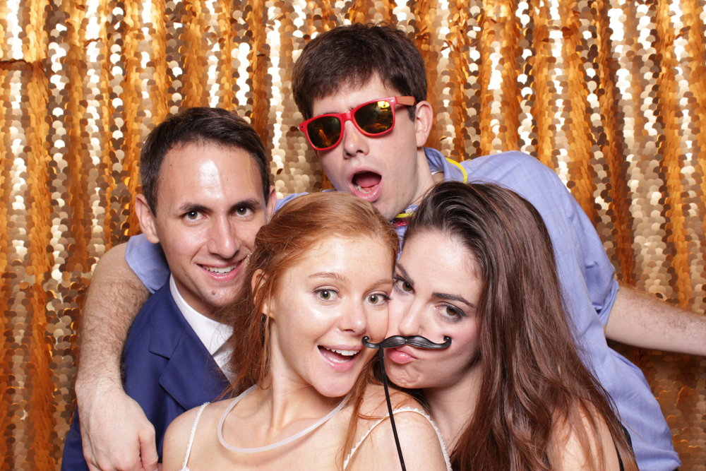 CASEY + TOM | HOT PINK PHOTO BOOTH