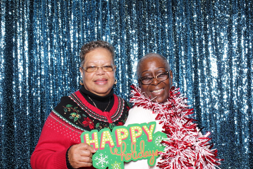 MAYOR'S ANNUAL SENIOR HOLIDAY CELEBRATION | HOT PINK PHOTO BOOTH
