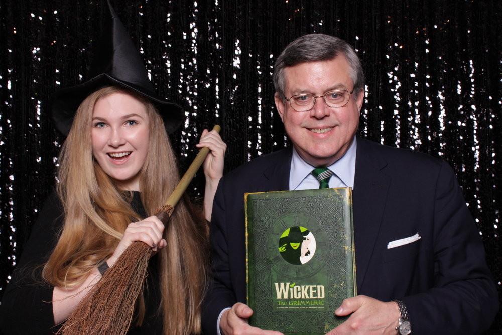 WICKED CIRCLES CAST PARTY | HOT PINK PHOTO BOOTH