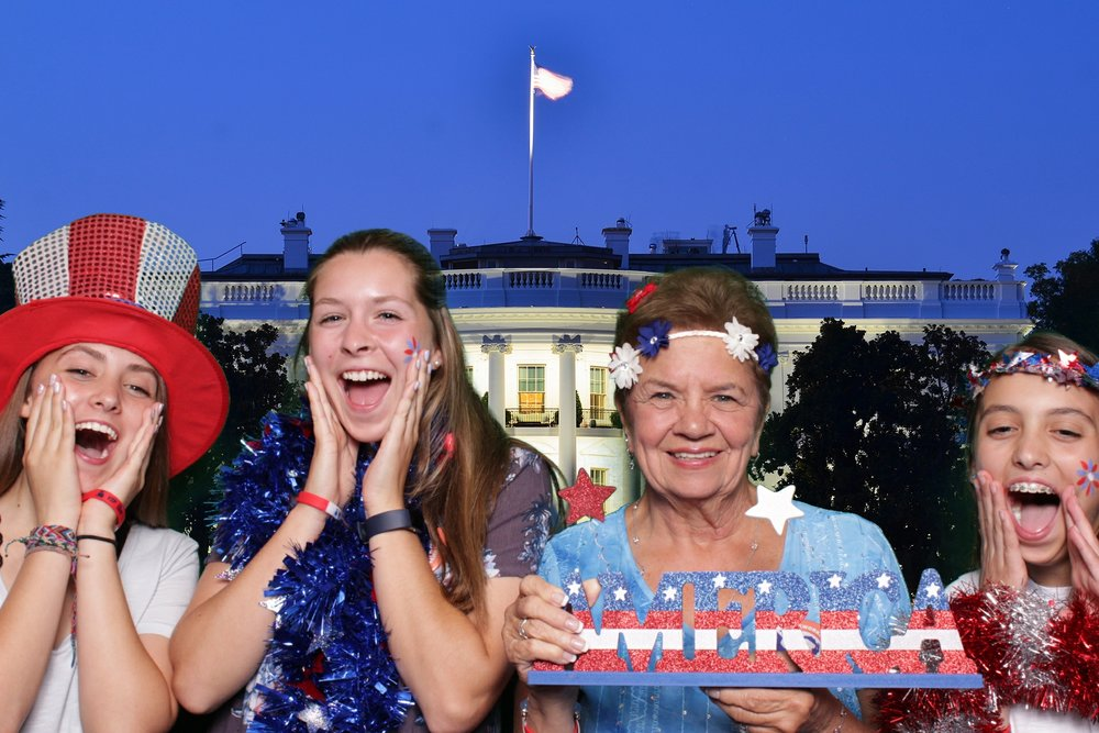 KENNEDY CENTER FOURTH OF JULY | HOT PINK PHOTO BOOTH
