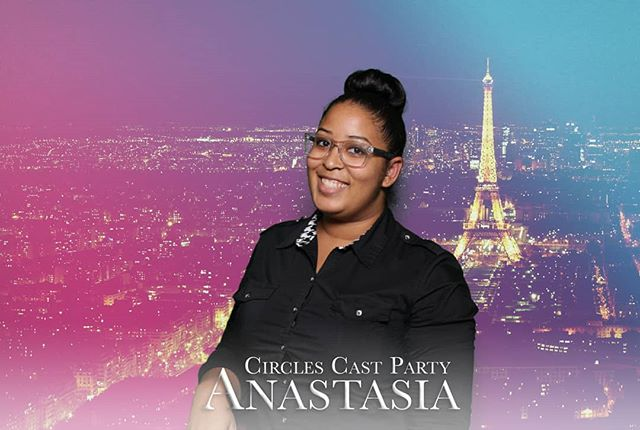 Greetings from #PARIS!!! Our green screen technology can teleport your guests to any destination in the world and beyond. #hotpinkphotobooth 🥐🧀🍷
