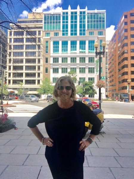 Lunchtime in downtown D.C. This time I walked to FroZenYo, a favorite destination.