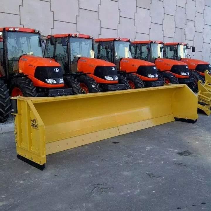 Tractor Kubota M125 and M6 141.JPG