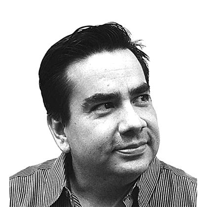 Rogelio Umaña   Publicista y consultor en comunicación digital, fanático de la tecnología. Fundador de Astrolabe.   gorileo.com