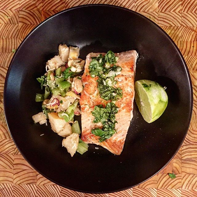 Thanks @sunbasket for making our meals delicious and fast without sacrificing any quality! #local #organic #wildsalmon #mealkitdelivery #sunbasket #paleo #whole30