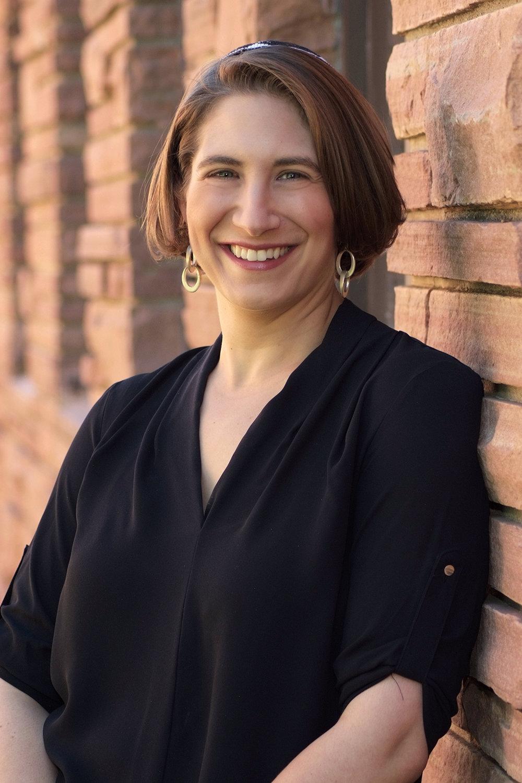 Cantor Elizabeth Sacks, Senior Cantor