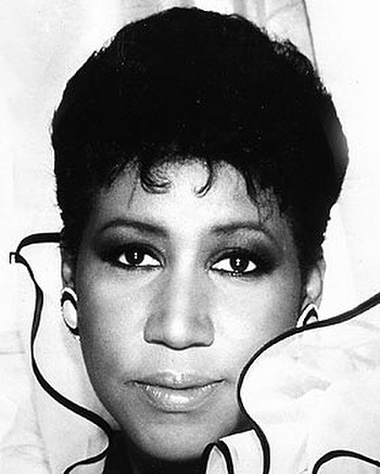 Honoring the queen 👑 of soul. Aretha Franklin. Your music and beautiful voice, will live on to comfort all of humanity. #queenofsoul #arethafranklin #goldenvoice #rnbsoul #countrysoul #heavenlyvoice #ownyourmonk #ownyourmaverick #monksnmavericks #monksandmavericks