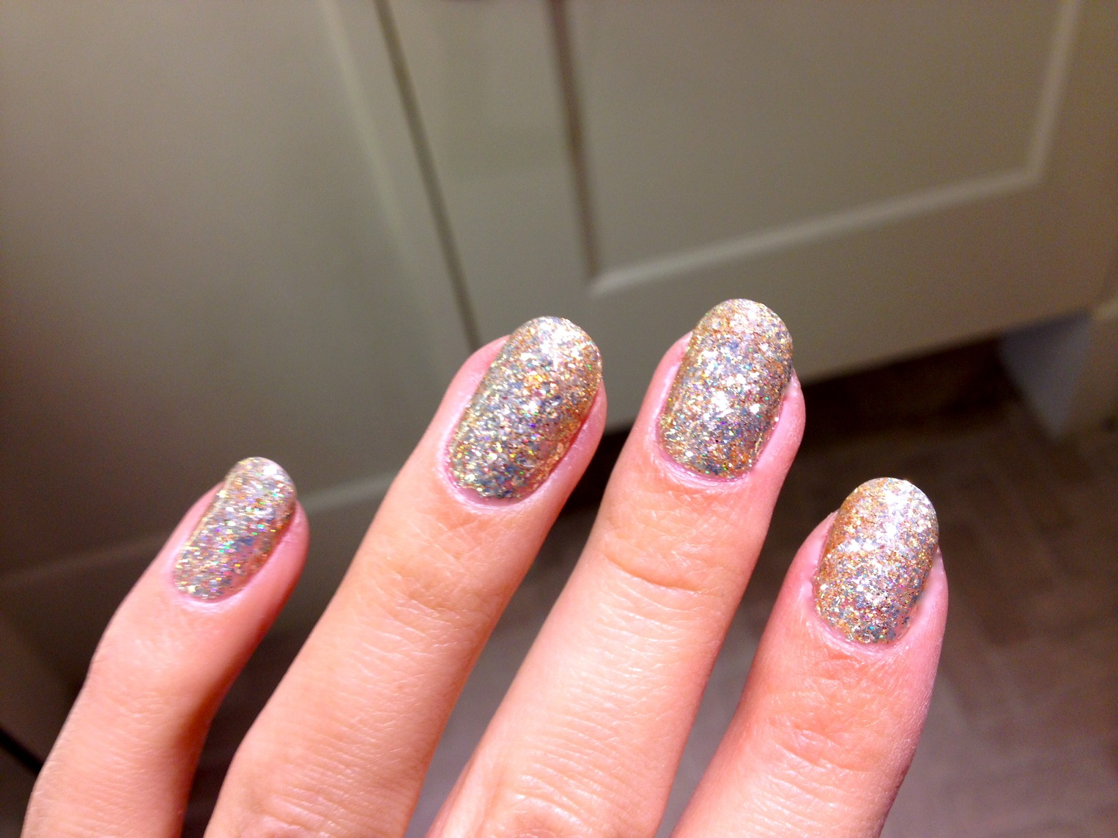 The Oh So Glam Gold Glitter Gelicure Polishment