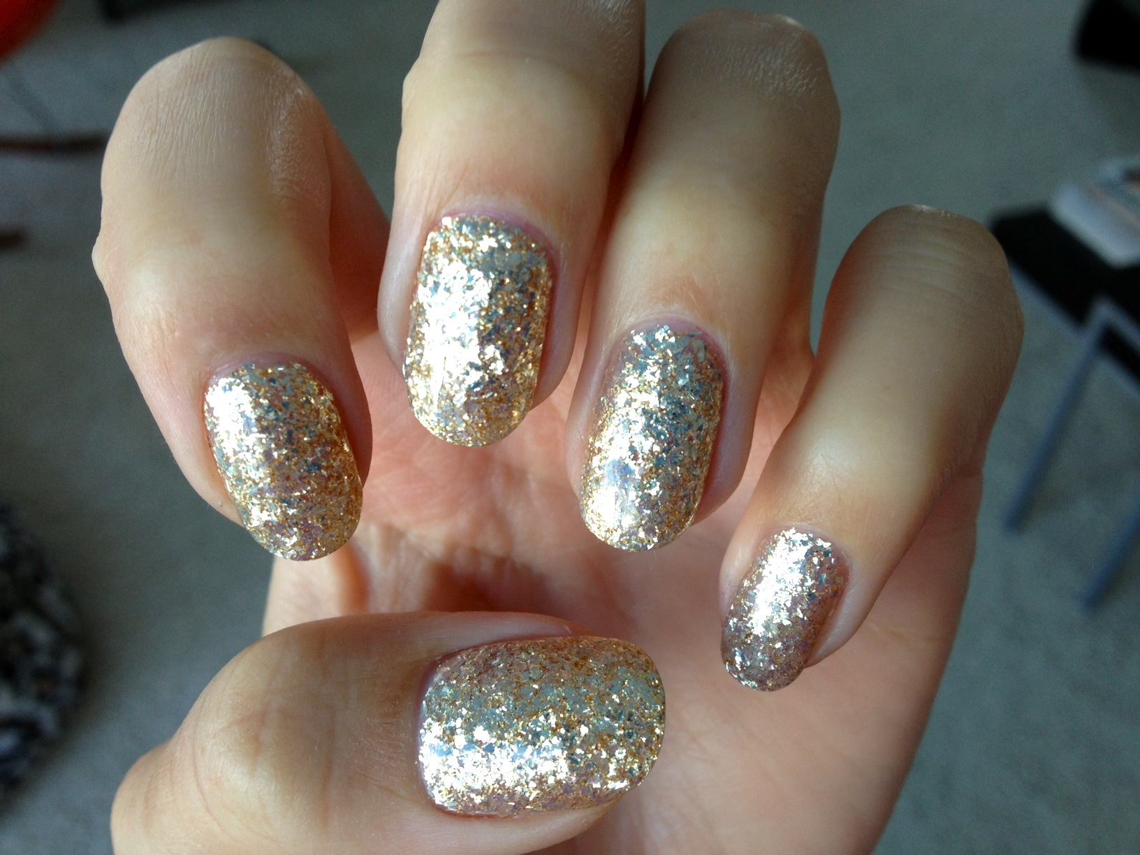 Gold Glitter Gelicure_Pampered Hands_2