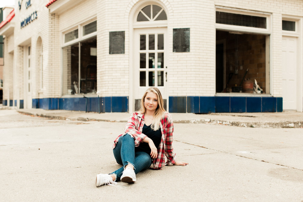 Downtown Lafayette Indiana senior picture shoot by Cassie Howard