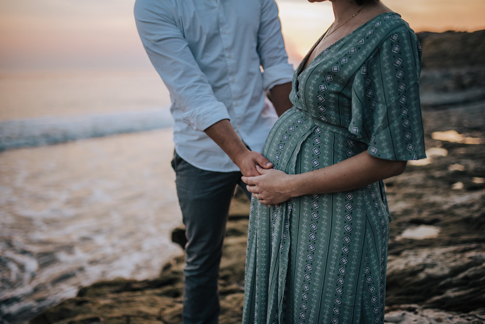 belly maternity picture on beach at sunset in california
