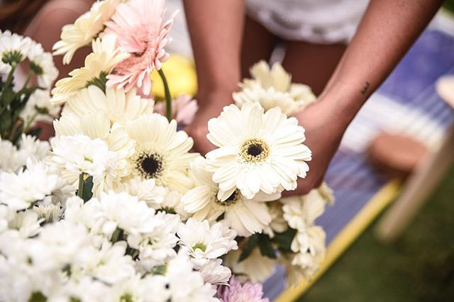 〰️Bloom Party 〰️ Gather your gals and create a gorg flower crown with the Brides Collection Flower Crown Workshop. Includes all the pretty blooms and everything you need to create your dream flower crown! :: :: #flowercrownworkshop #thebridescollection  #babyshower #baby #mumtobe #guguide #canggu #flower #flowers #flowerstagram #flowercrown #shesaidyes #ido #bridetobe  #bali #balibucketlist #gu #love #canggulife #madebyme #shoplocal #hens #bachelorette #bacheloretteparty