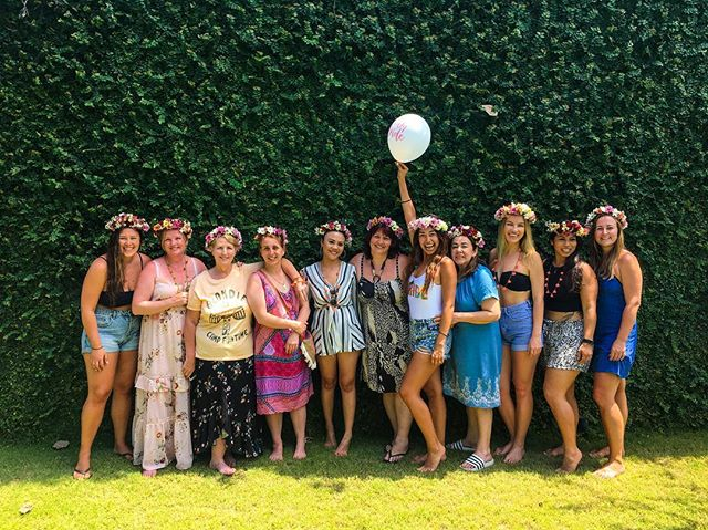 〰️ Selamat Cindy 〰️ Congratulations to the gorgeous bride to be Cindy on her Hens Day! This bride tribe started the day with a #thebridescollectiom Flower Crown Workshop 🌺🌸 Such fun! Enjoy your day babes 😘 Looking for a fun hens activity in Bali? Flower crown workshops are now available, contact via link in bio ⭐️ :: :: #flowercrown #flowercrownworkshop #hens #bachelorette #hensparty #bridetobe #bridetribe #bali #cangguguide #seminyaksnob #baliwedding #flower #flowers #flowercrownworkshopbali  #shesaidyes #ido #bridetobe  #bali #balibucketlist #gu #love #canggulife #madebyme #shoplocal #hens #bachelorette #bacheloretteparty