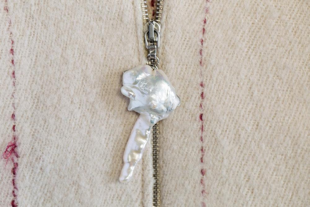 pearl zipper .jpg
