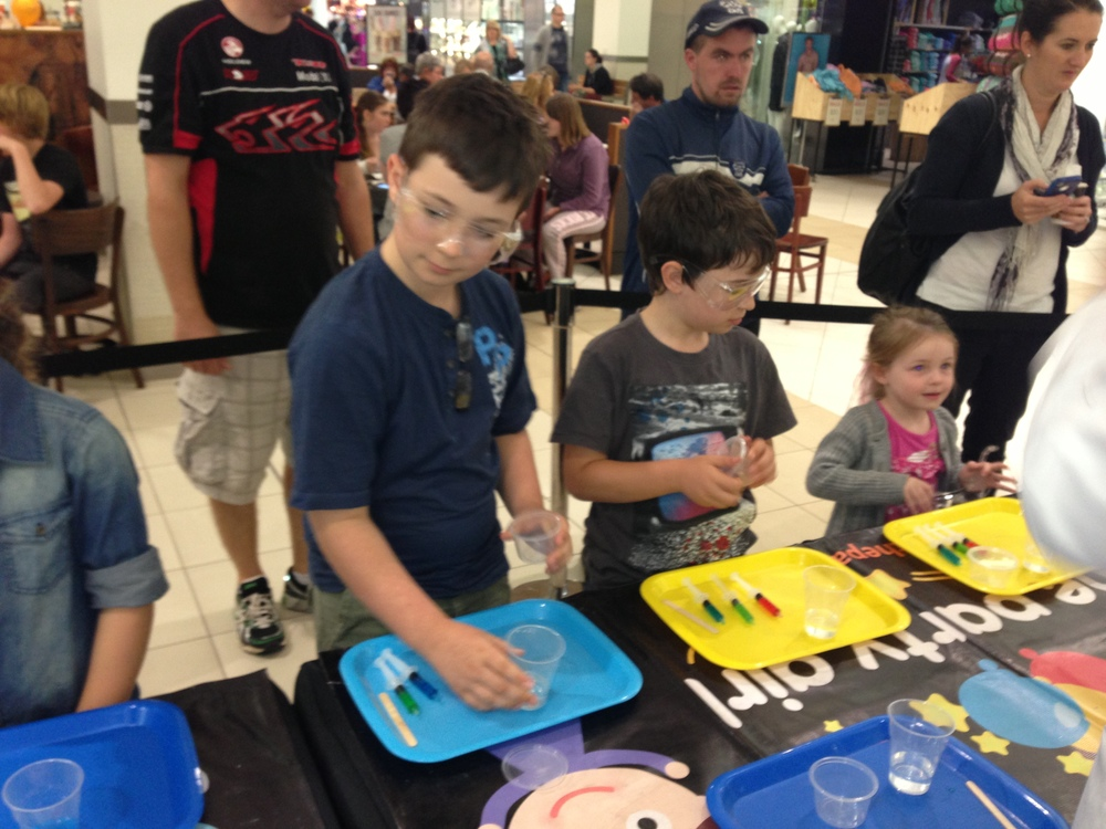 kids-workshop-events-geelong-science-slime-the-party-girl.JPG