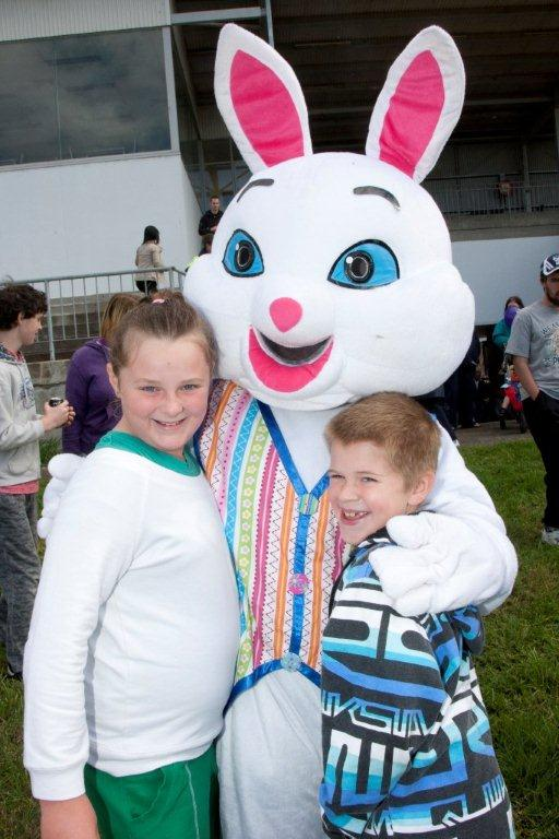 easter-bunny-character-events-the-party-girl.jpg