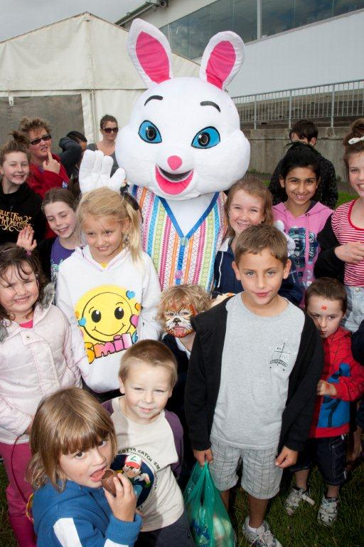 Easter-bunny-kids-family-events-the-party-girl.jpg