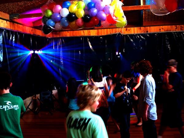 oshc-kids-disco-dance-party-lights.JPG