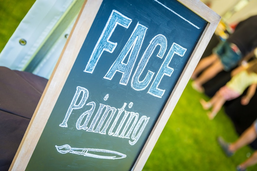 face-painting-sign-the-party-girl-events.jpg