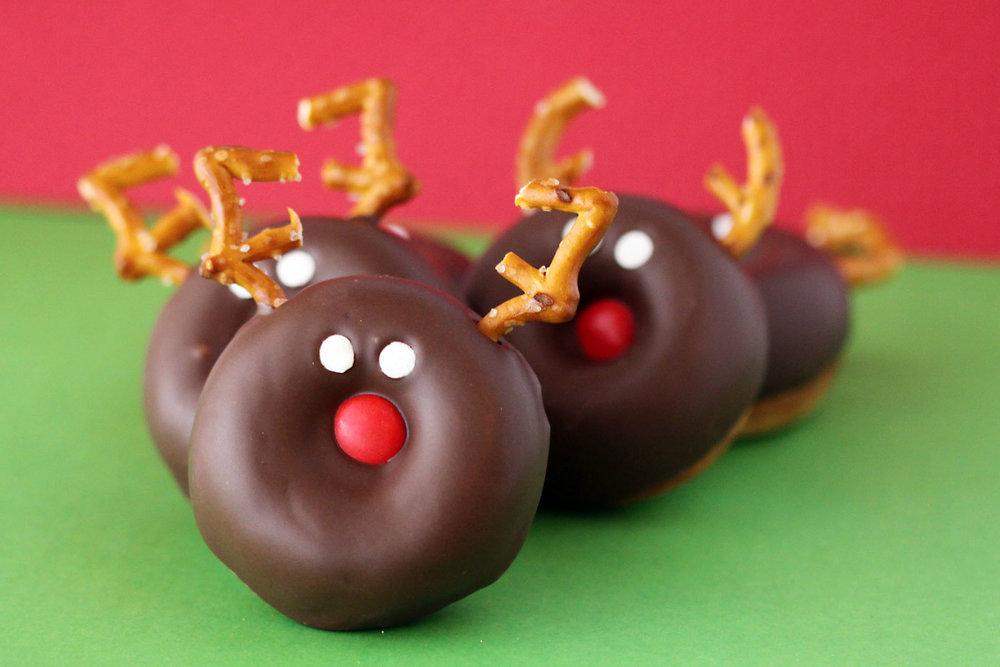 chocolate-reindeer-donuts.jpg