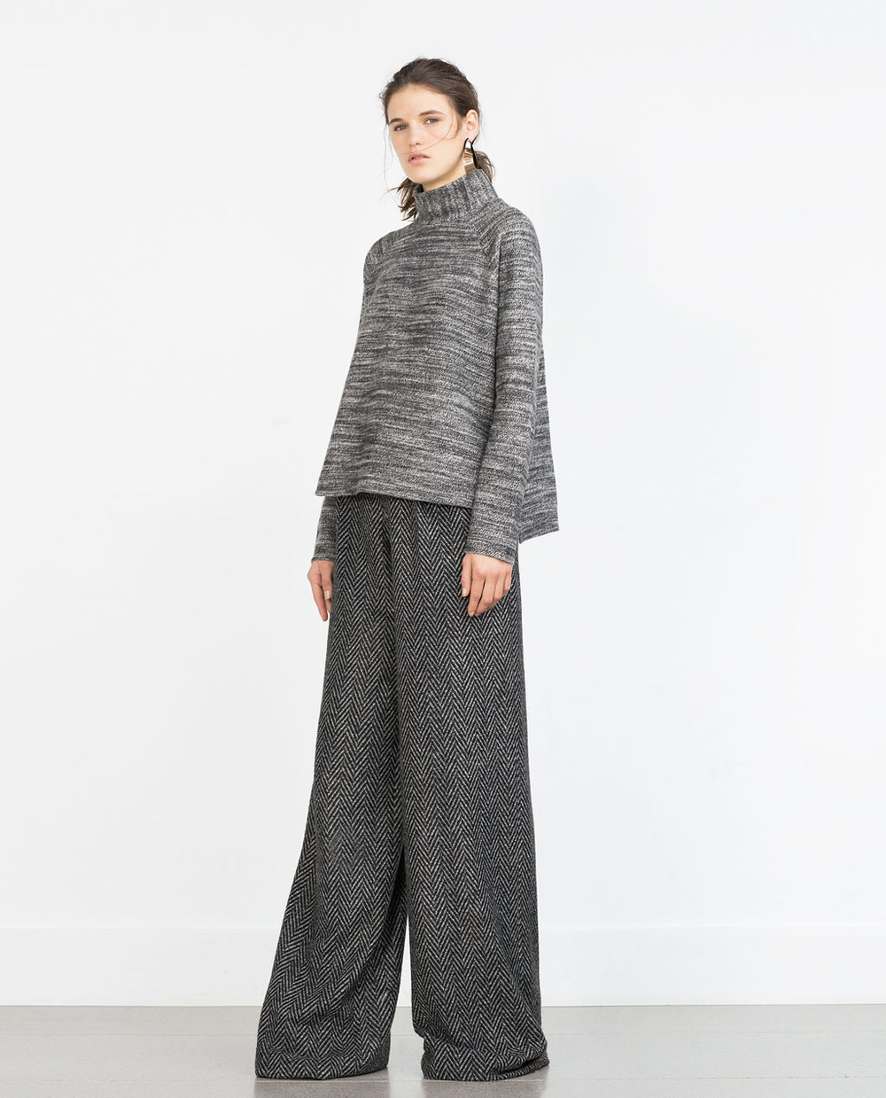 Grey sweatshirt €17.99  REF. 0264/581