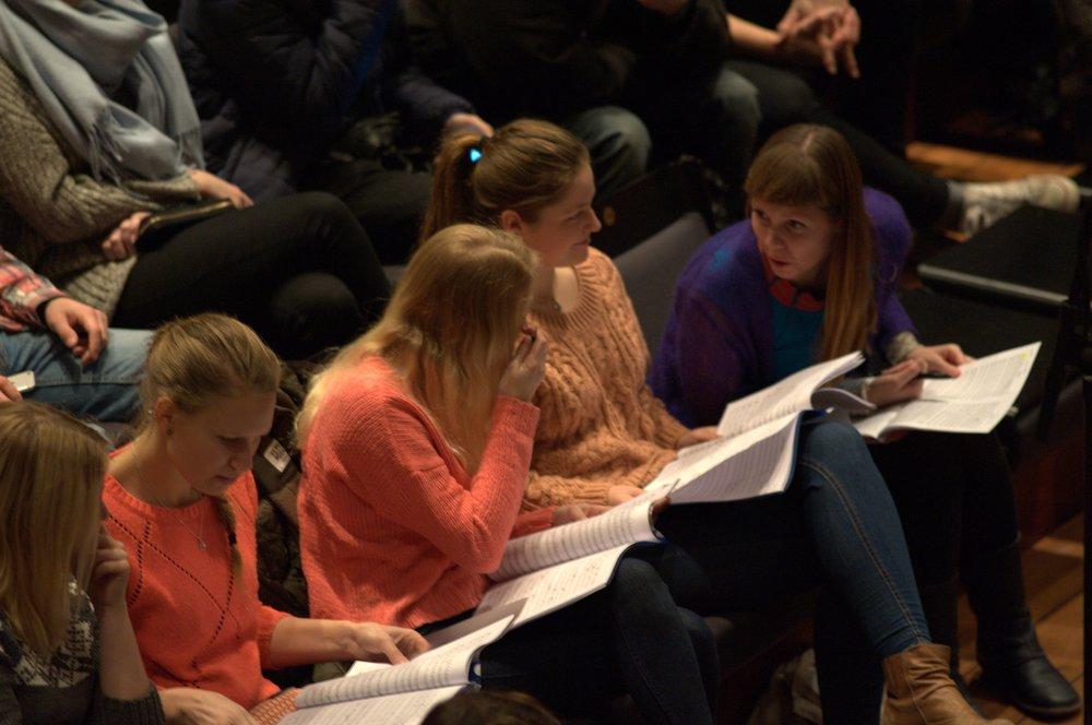 Musikklinjeelever komponerer for   Oslo-filharmonien  under  ung.kom 2015   .  Foto: Lars Igesund