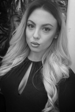 Mirren McCutcheon    Graduate Stylist   Mirren is our newest recruit, joining us in August 2018. Having completed a number of specialist colour courses she is our Balayage queen! We are delighted to have Mirren as part of our team and looking forward to seeing her develop her career. Another graduate who won't be at this level for long.