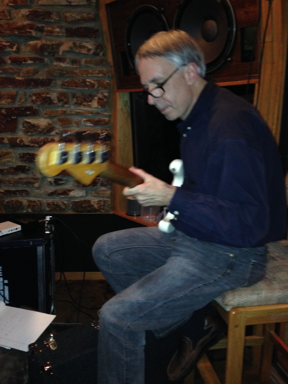 Paul Langosch : a rare moment on electric bass