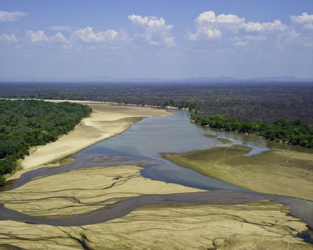 Primal-Pathways-South-Luangwa-Walking-Safari-Dana-Alan.jpg