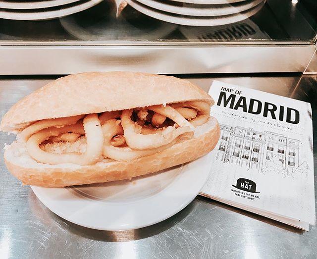 Bocadillo de calamares - mágico Madrileño