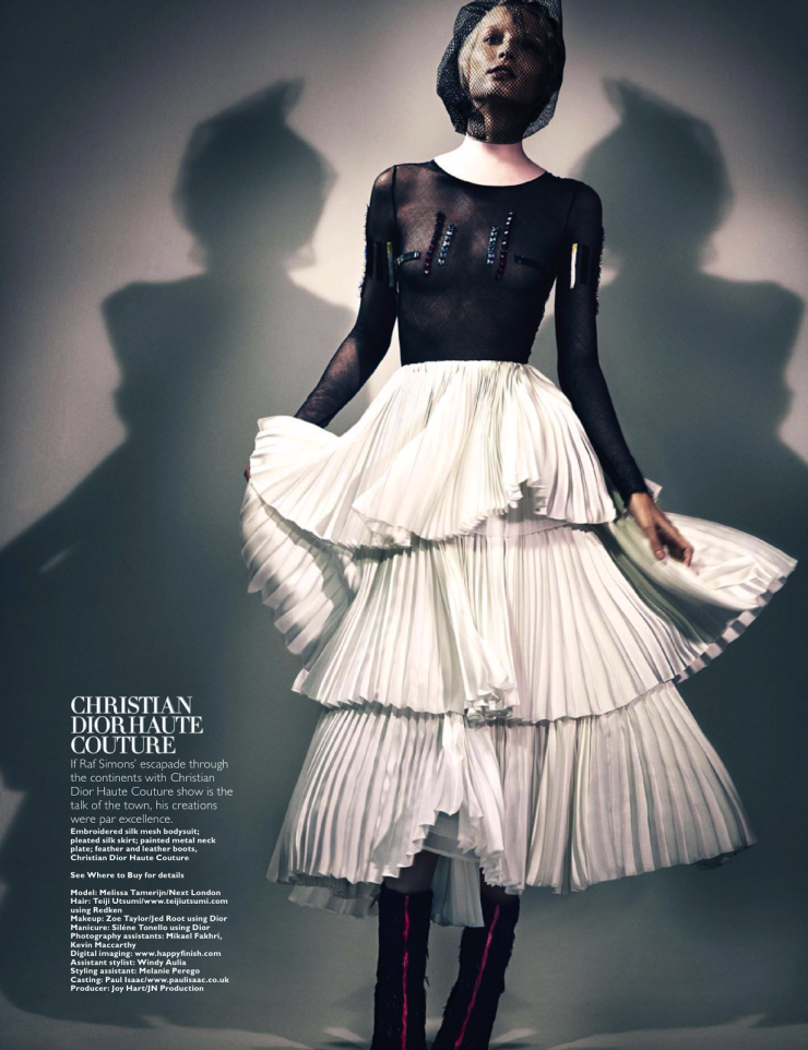 melissa-tammerijn-by-thomas-cooksey-for-harpers-bazaar-singapore-december-2013-10.png