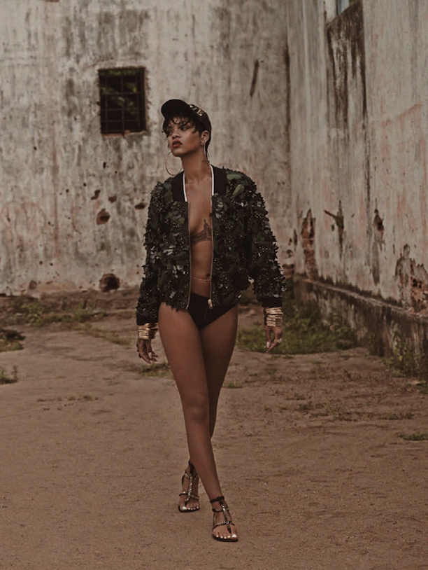 Who-What-Wear-Rihanna-Vogue-Brazil-May-2014-9.png