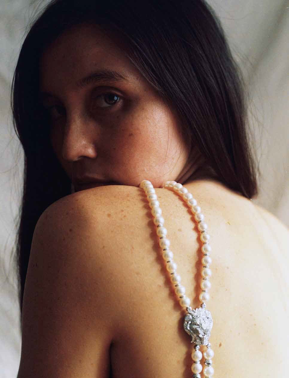Pg xx Kimbra Chanel Beauty v5-1.jpg