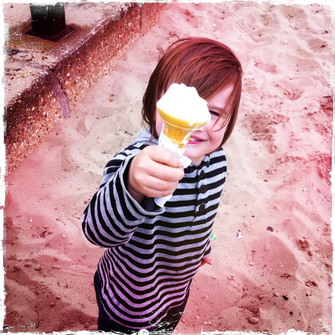 Ice-cream Hipsta    Another Friii-day rolls around and brings with it the start of the Easter holidays. In deference to the beautiful weather we've had here this week, and with just a little bit of cautious optimism that it will continue for a bit longer, here's how I hope we'll be spending next week; having fun in the sun and eating (rapidly melting) ice-cream. Have a good one : )