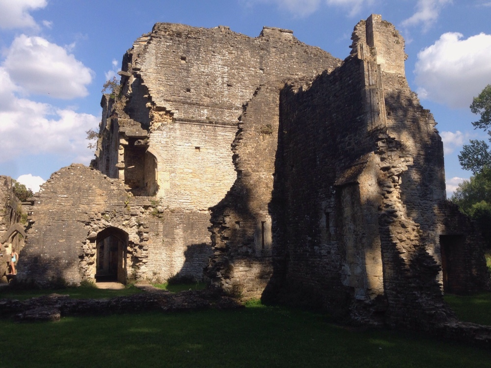 A glimpse at the Lovell Hall ruins - but now you know where it is, ssshhhhh!