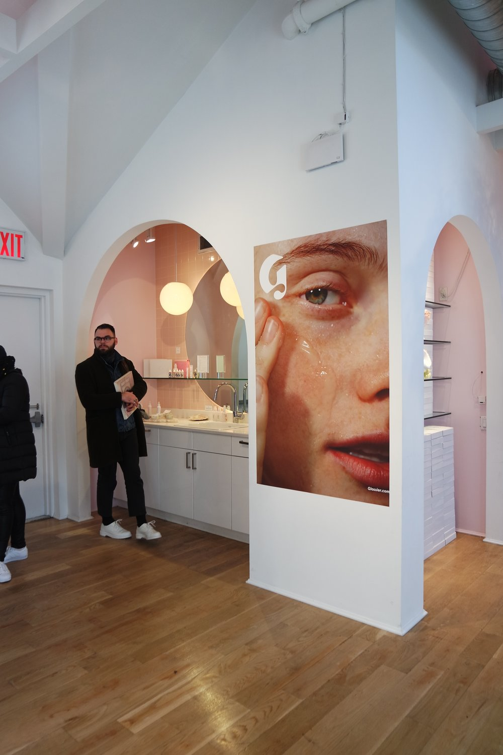 Glossier showroom (it smells like roses)
