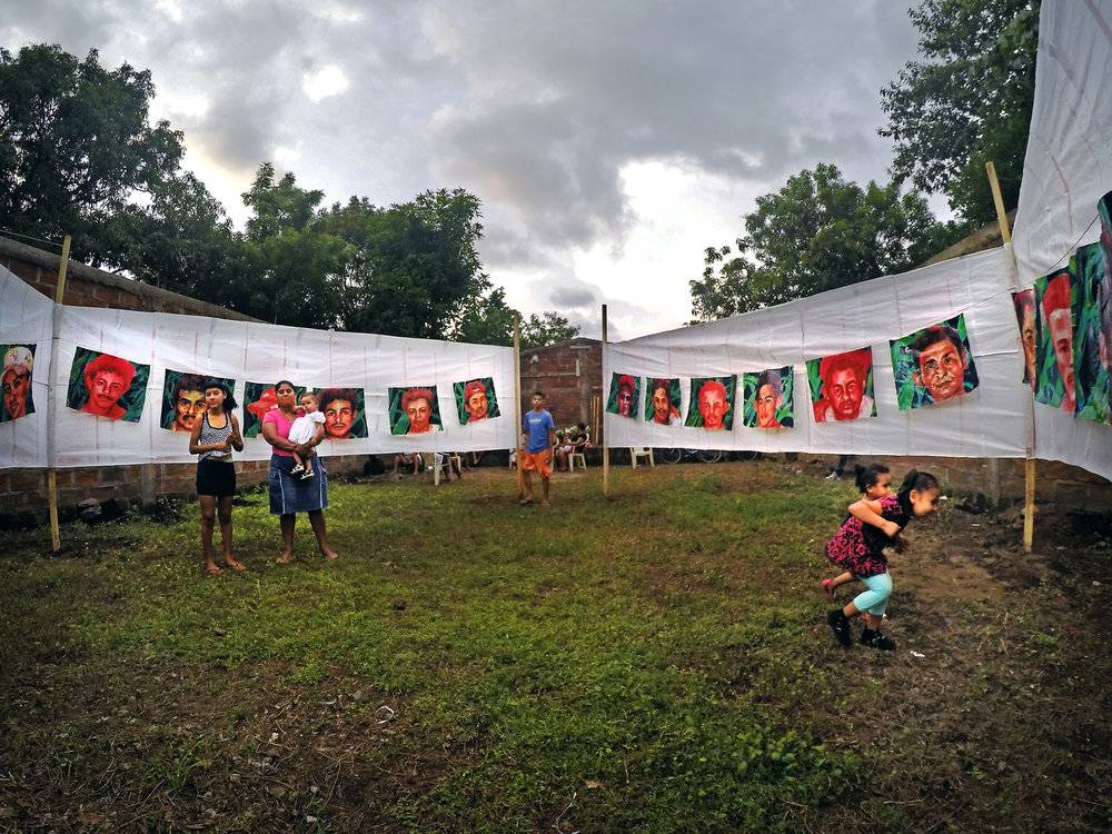 'Emapalagoso (Saccharine): The Chichigalpa Portrait Project, 23 Memorial Portraits Installation' (2016) Image courtesy of artist.