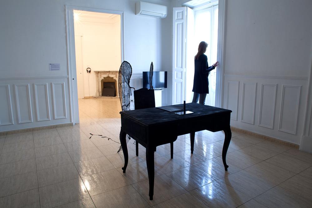carlos mate-silence.jpg alt=carlos mate art installation silence