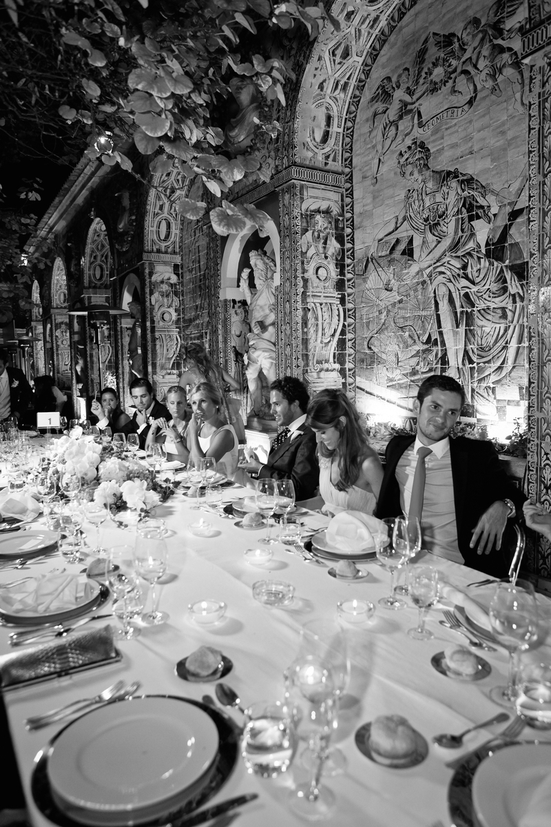 Wedding dinner and portuguese art decor by The Wedding Portugal..jpg