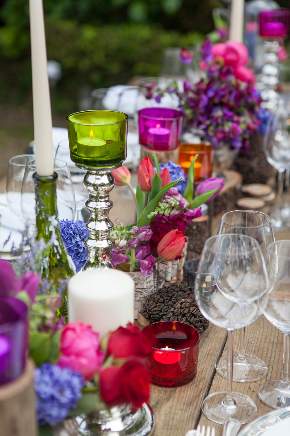 Colorful wedding table by The Wedding Portugal.jpg