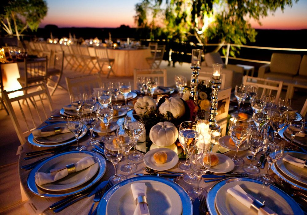 Creative wedding table design by The Wedding Portugal.jpg