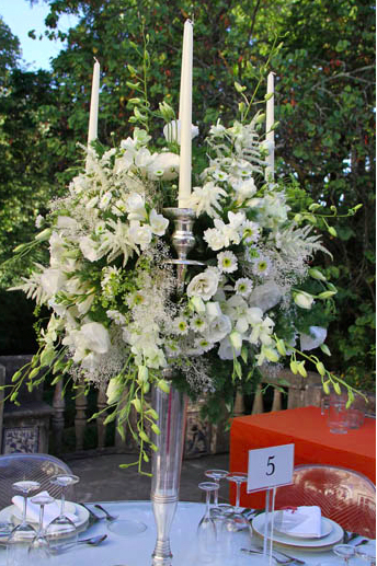 Flower decor by The Wedding Portugal.jpg