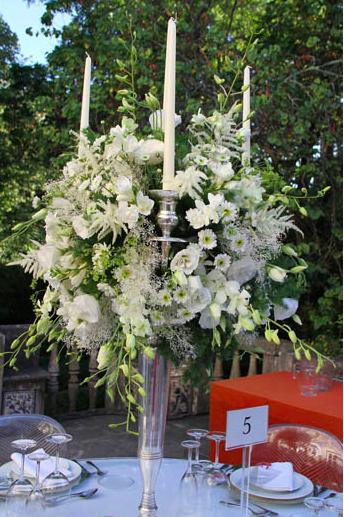 Flower decor by The Wedding Portugal.jpg