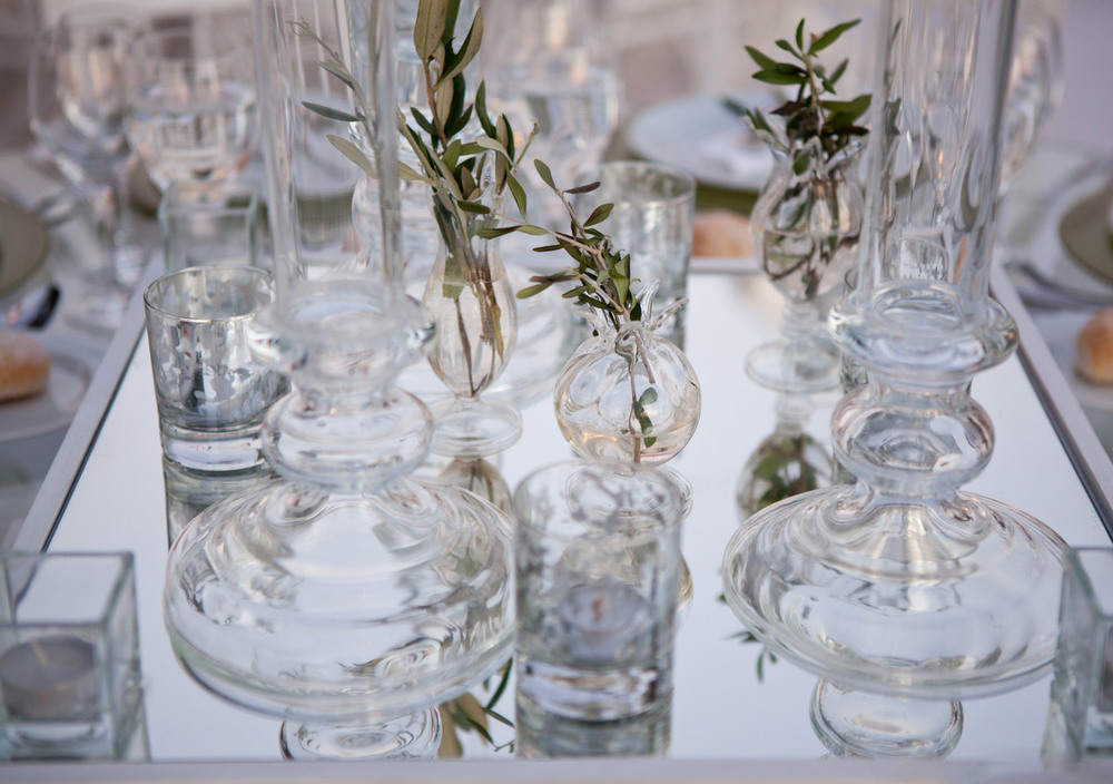 Glass and olive details for boutique wedding table decor styling by The Wedding Portugal.jpg