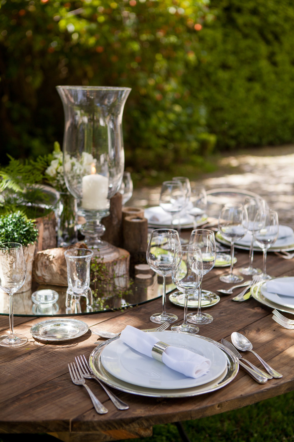 Garden wedding table design by The Wedding Portugal.jpg