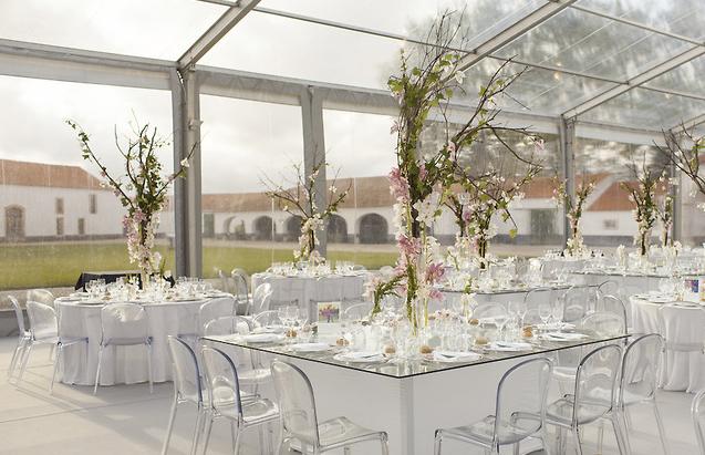 Light wedding decor by The Wedding Portugal.jpg