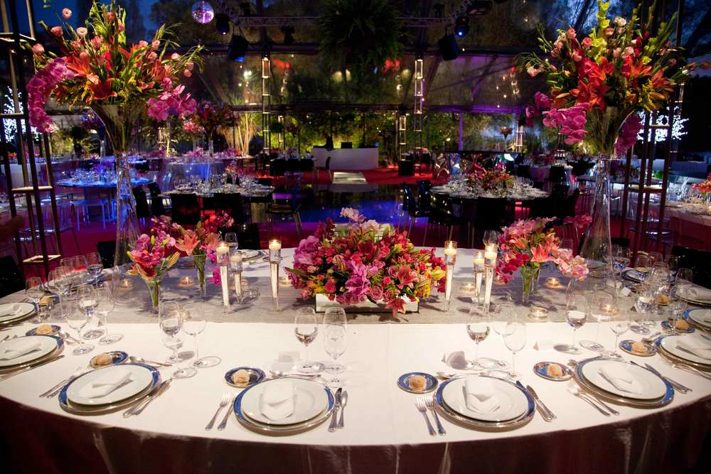 Pink touch to wedding table decor by the Wedding Portugal.jpg