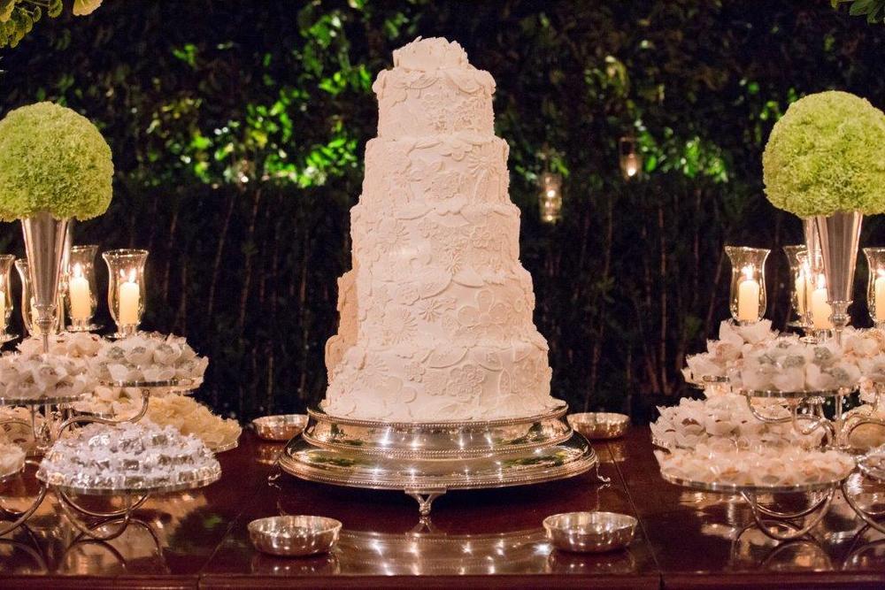 The Wedding Cake arranged by The Wedding Portugal.jpg